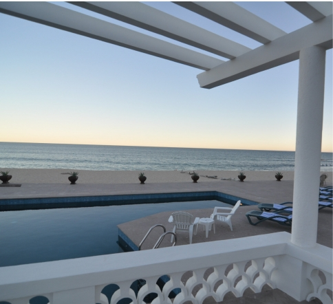 Pool overlooking the beach in san jose del cabo